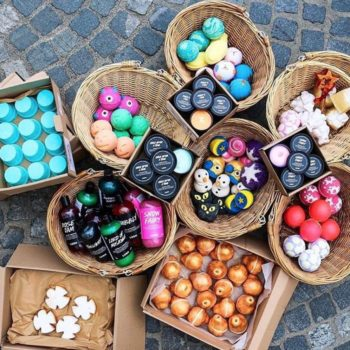 Lush Cosmetics just gifted us with the launch of their new Christmas collection