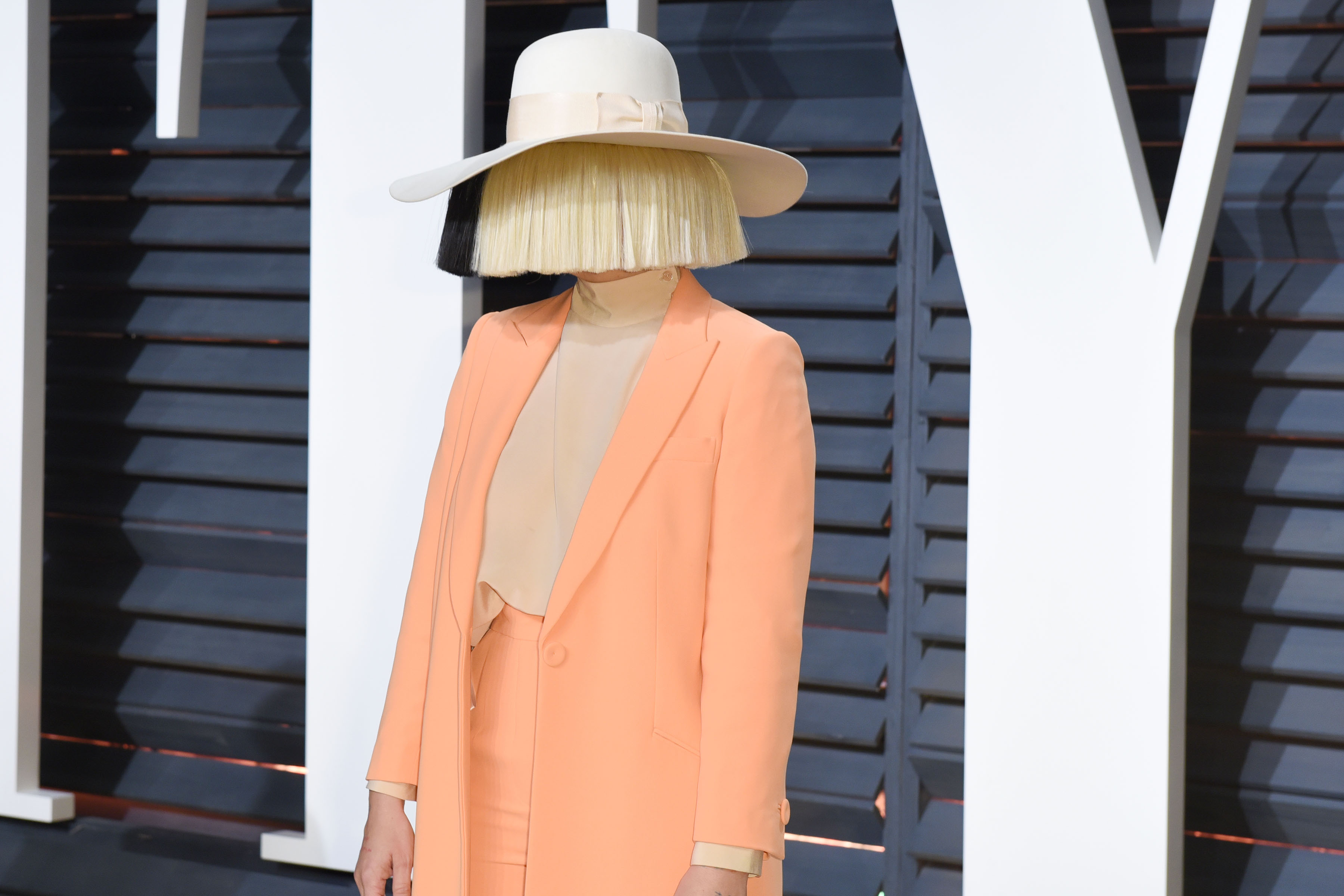 Sia Went Wigless In This Revealing Insta Pic Hellogiggles