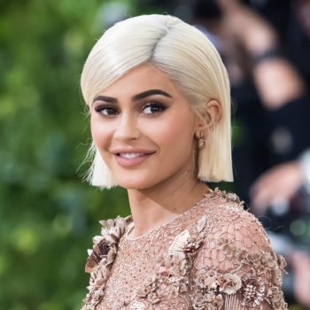 Here's where you can buy the shirt everyone thinks Kylie Jenner used to cover her pregnant belly