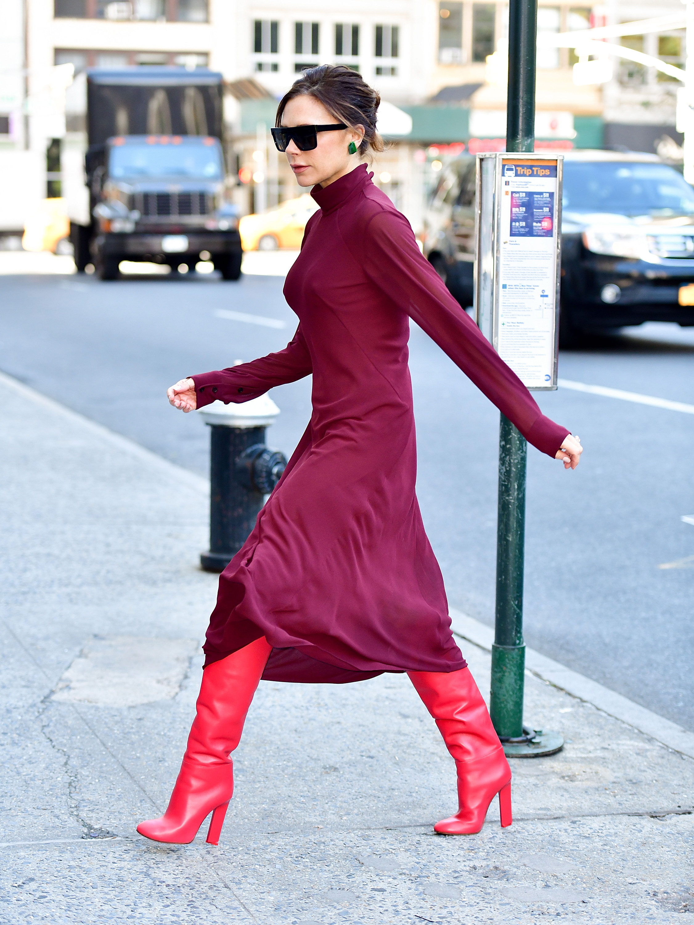 NEW YORK, NY - OCTOBER 13:  Victoria Beckham seen on the streets of Manhattan on October 13, 2017 in New York City.  (Photo by James Devaney/GC Images)
