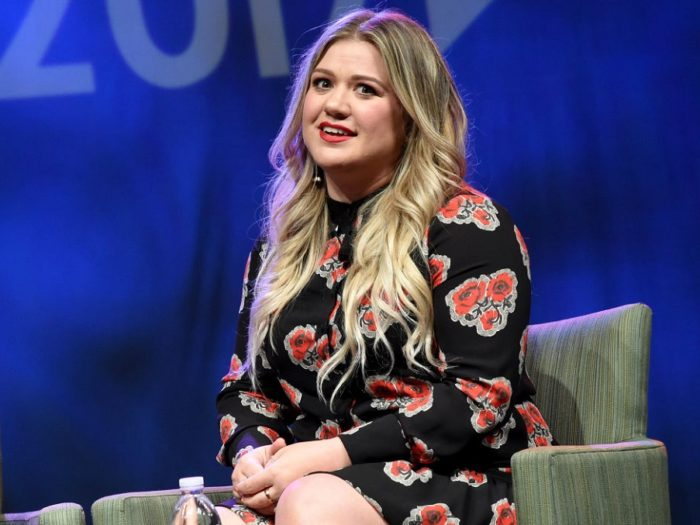 Kelly Clarkson is raising her 3-year-old daughter to always stand up for what's right