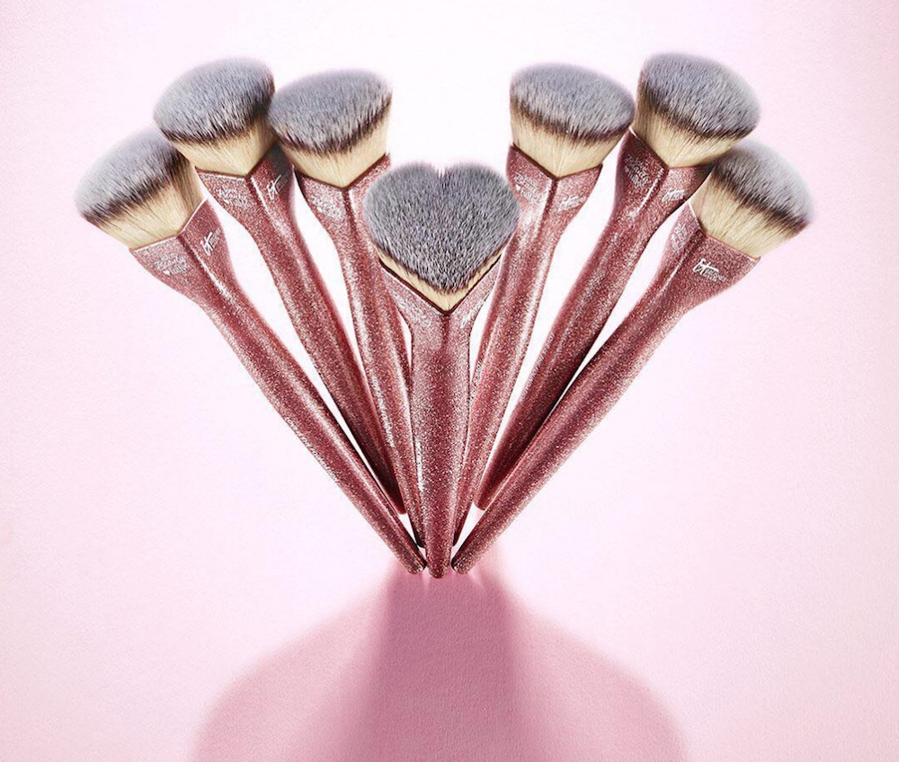 OMG: It Cosmetics released the cutest pink foundation brush, and it's shaped like a heart