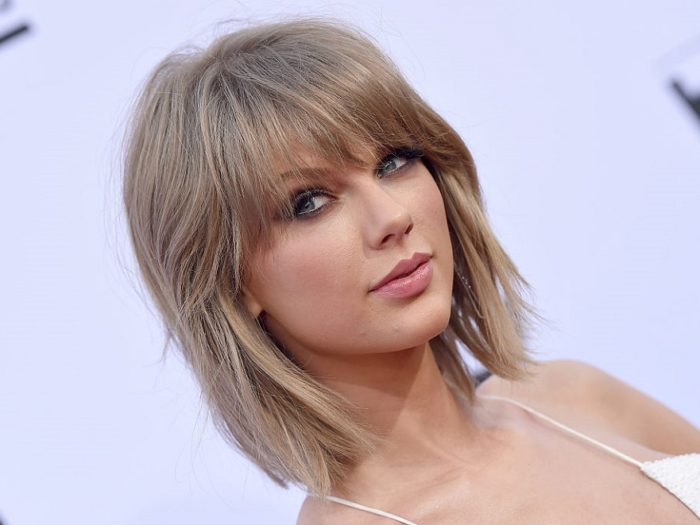 Taylor Swift Surprises Fans in Rhode Island
