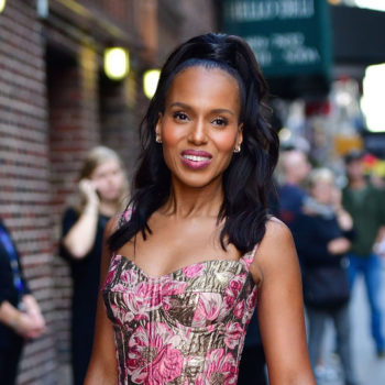 Kerry Washington's floral suit looks like our desktop background
