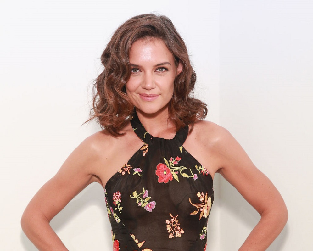 Katie Holmes debuted a dramatic new pixie cut