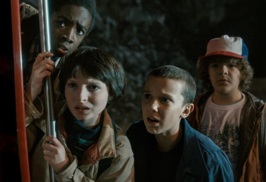 "This couple came up with the best solution to avoid ""Stranger Things"" spoilers"