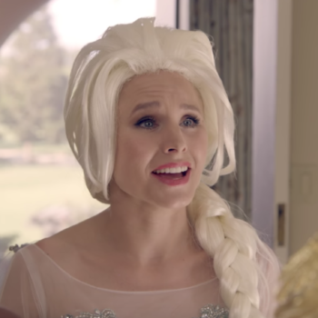 "Watch Kristen Bell hilariously parody ""Frozen"" as a foul-mouthed Elsa"