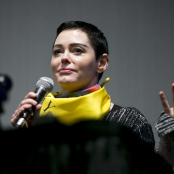 Rose McGowan now has a warrant for her arrest, and the timing is pretty shady