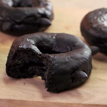 No trick: these scaredy-cat donuts are the purrrfect Halloween treat