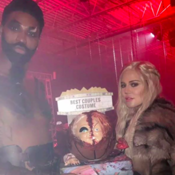 Did Khloé Kardashian's Halloween costume Snapchats just confirm her pregnancy?