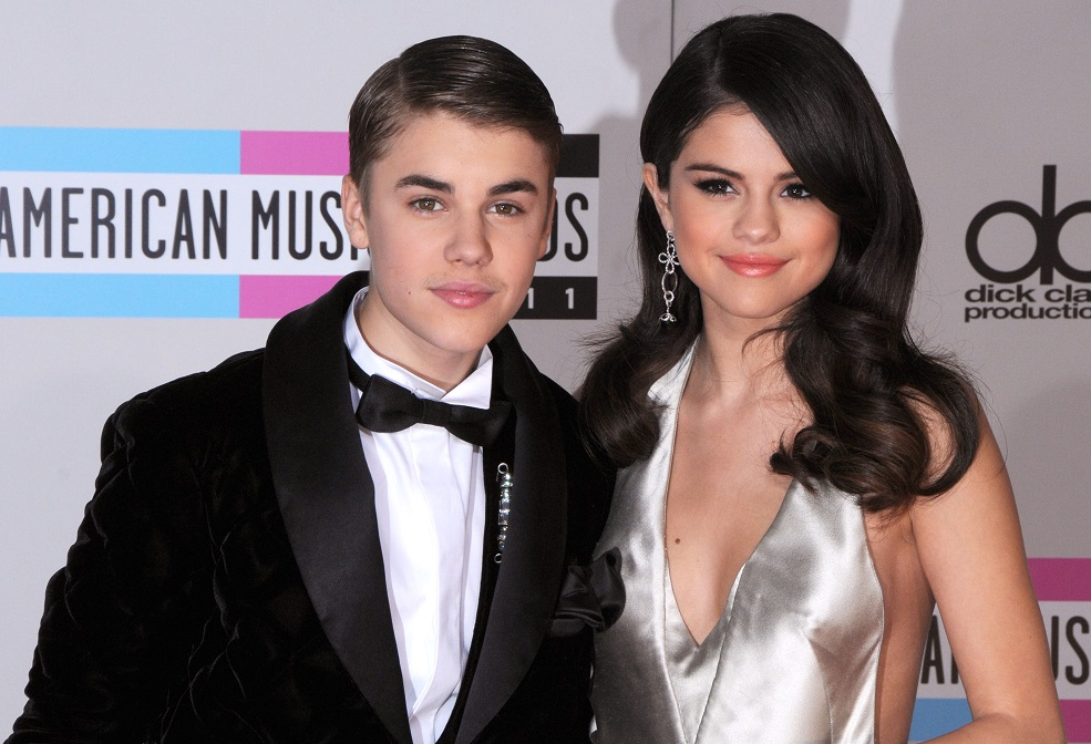 12 tweets pleading for Selena Gomez and Justin Bieber to get back together