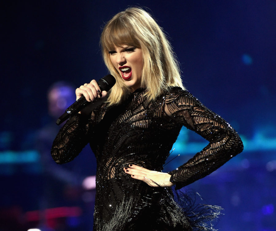 """9 of the best reactions to Taylor Swift's new single, """"Call It What You Want"""""""