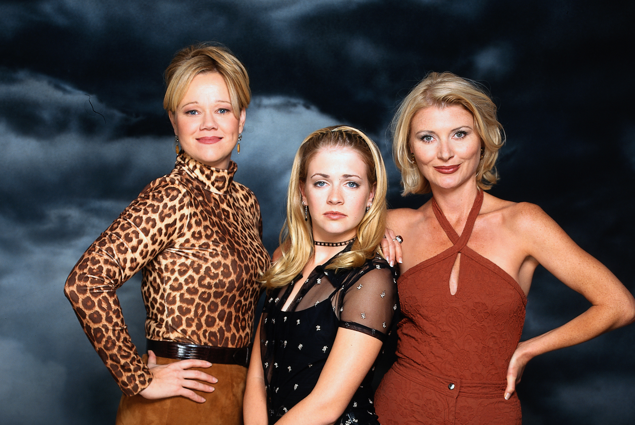 "The ""Sabrina, the Teenage Witch"" cast reunited, and Harvey made us swoon"