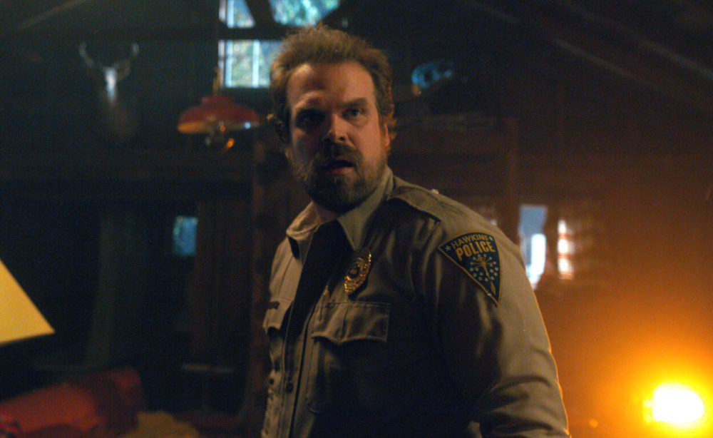 "There's one thing the Duffer brothers would change about Hopper in ""Stranger Things"" Season 2"