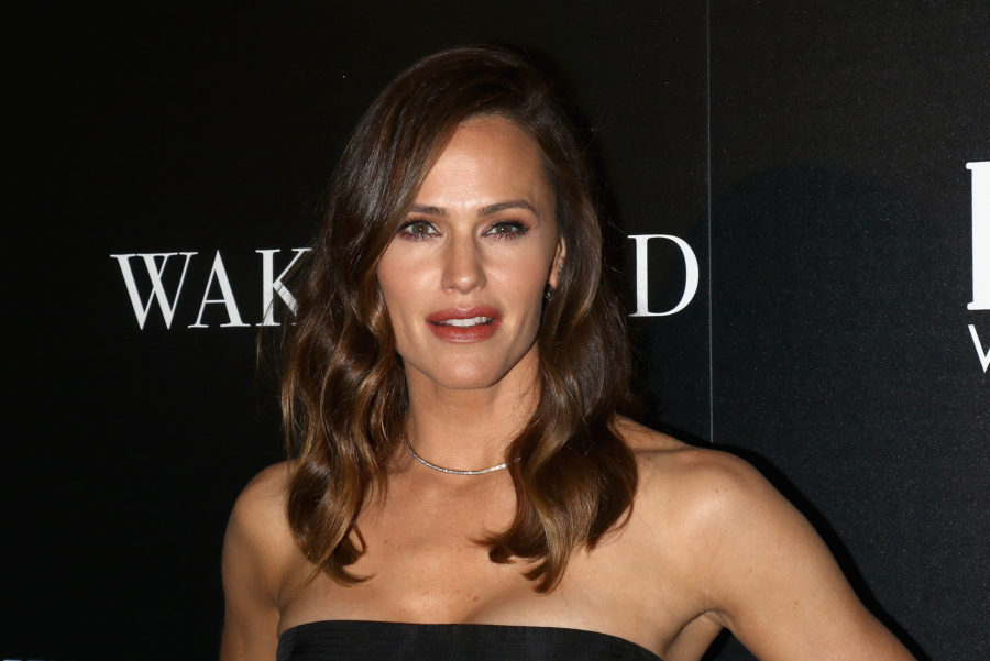 Jennifer Garner has a pet chicken that she walks on a leash, and yes, there are pictures