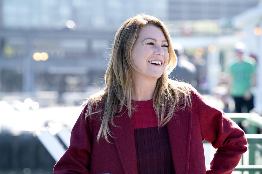 """11 of our favorite """"Grey's Anatomy"""" Easter eggs from its 300th episode"""