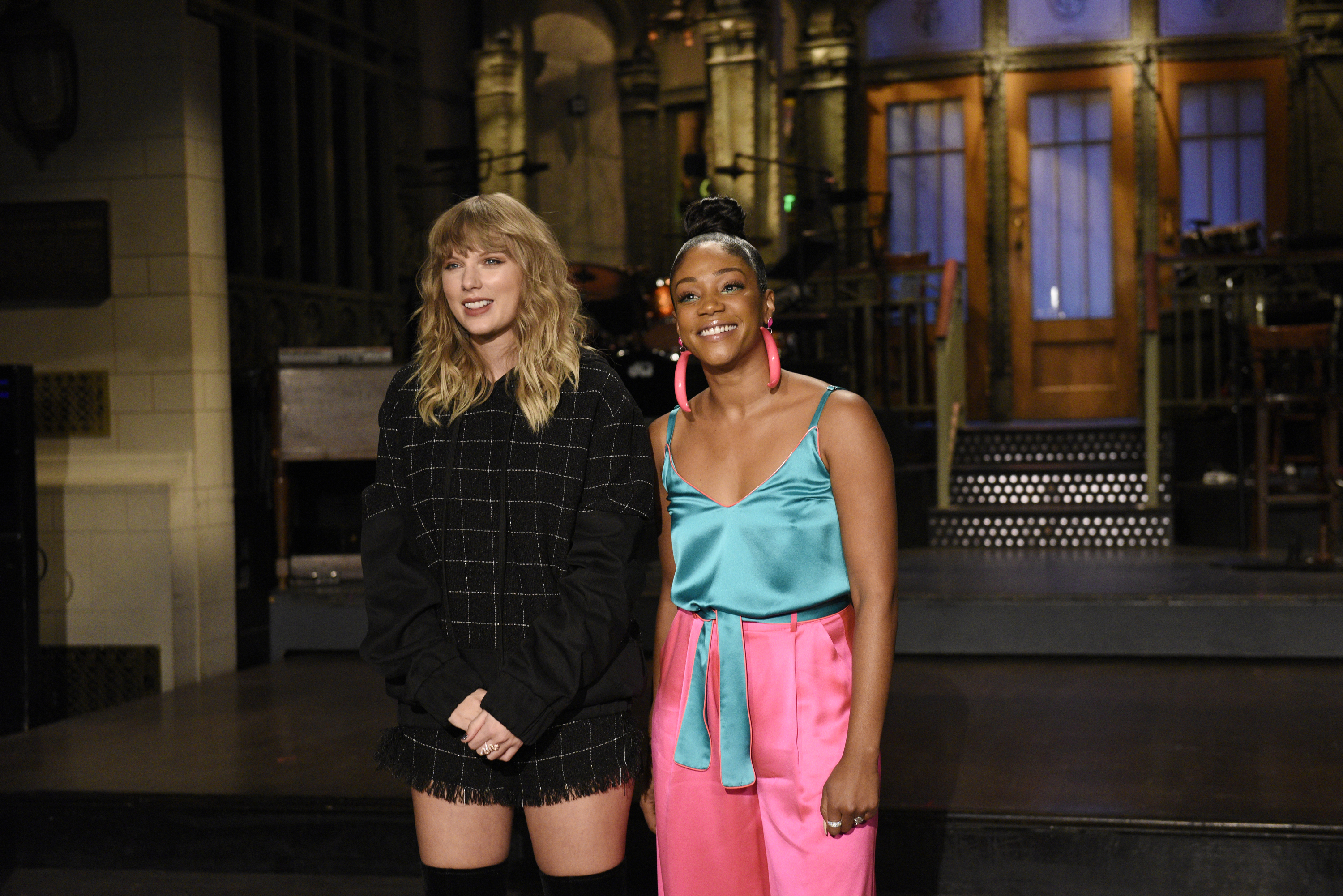 "Fans are mad ""SNL"" didn't put Taylor Swift in this one specific sketch"