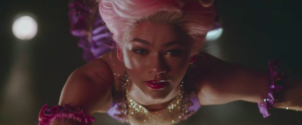 "Zendaya and Zac Efron get *real* flirty in the new ""Greatest Showman"" trailer"
