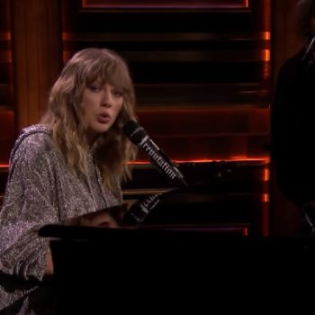 "Taylor Swift surprised ""The Tonight Show"" fans by playing a song for Jimmy Fallon's late mother"