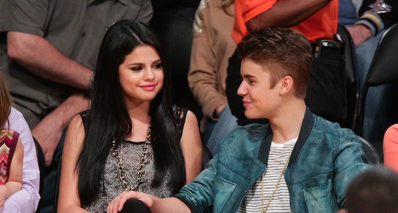 Stop everything: Selena Gomez and Justin Bieber were seen kissing in public