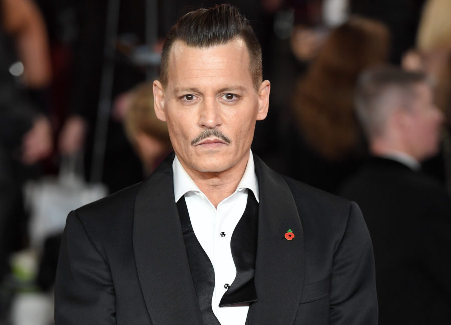 "Fans are calling to replace Johnny Depp in the new ""Fantastic Beasts"" movie"