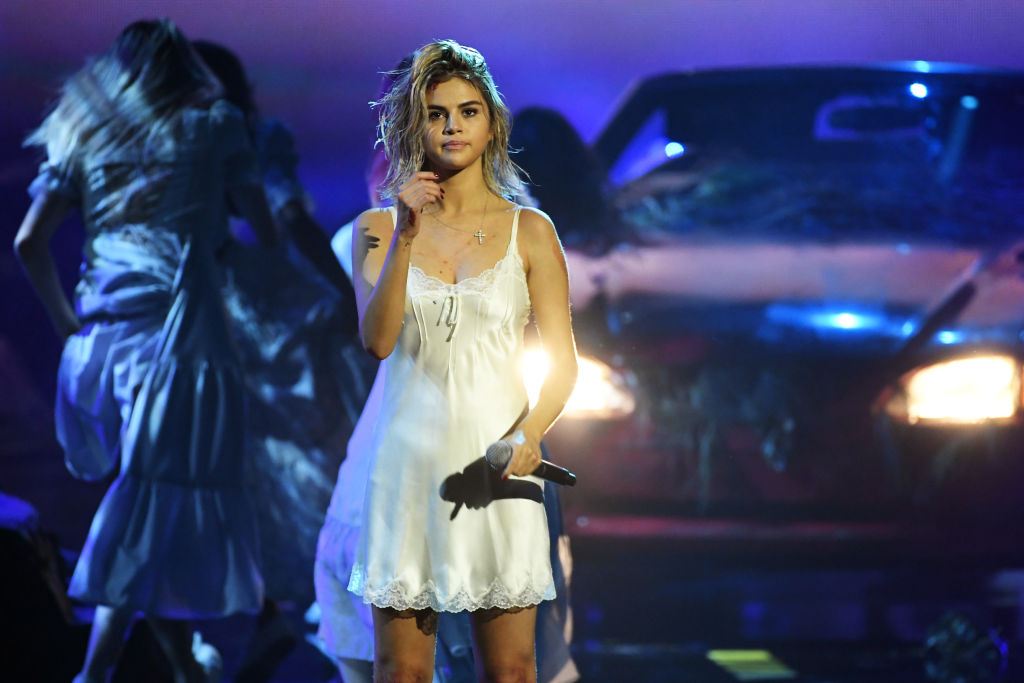 Selena Gomez's sad face at the 2017 AMAs is all anyone can talk about