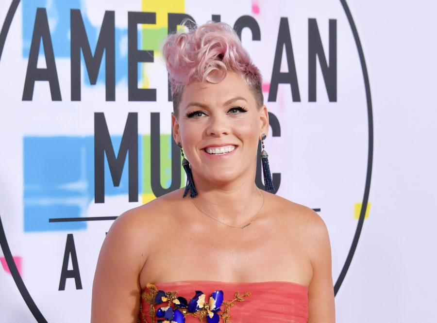"Pink is shutting down rumors that she ""cringed"" during Christina Aguilera's 2017 AMAs Whitney Houston tribute"