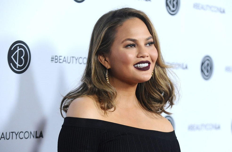 Chrissy Teigen pretended she was in the Victoria's Secret Fashion show all weekend, and LOL