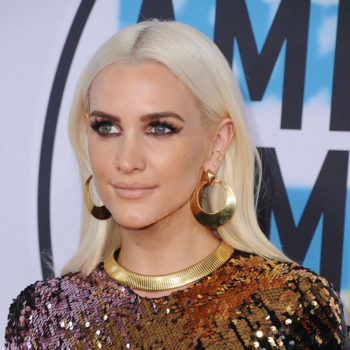 We got a rare glimpse of Ashlee Simpson at the 2017 AMAs