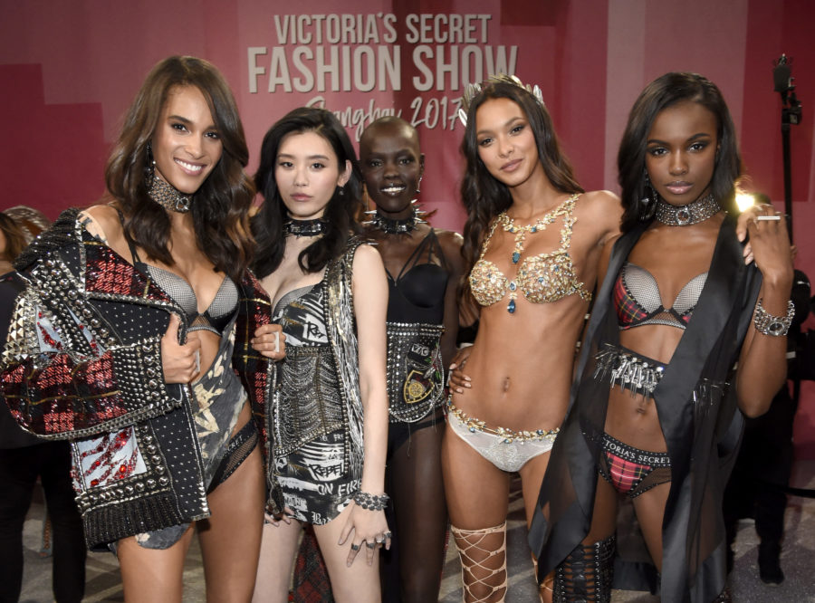 This is what the first-ever Victoria's Secret Fashion Show looked like, courtesy of Cindy Crawford