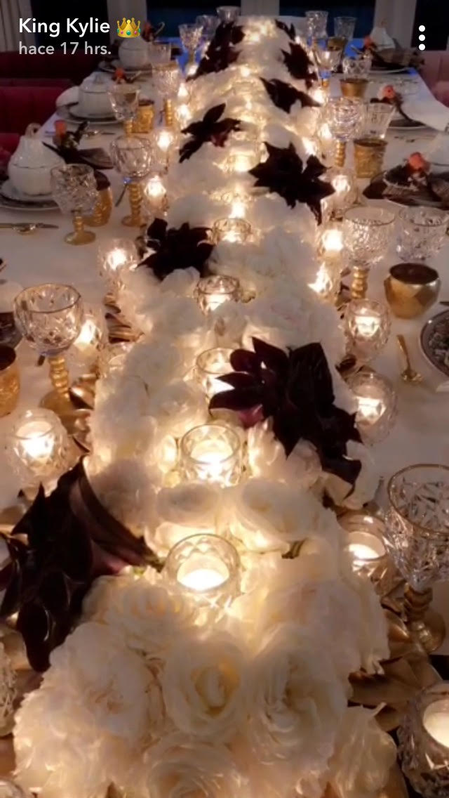 Kardashian Thanksgiving Recipes And Decorating Tips: Kylie Jenner Hosted The Most Extra Kardashian Thanksgiving