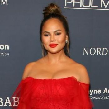 Chrissy Teigen left her Nintendo Switch at a hotel, and the internet came to her rescue