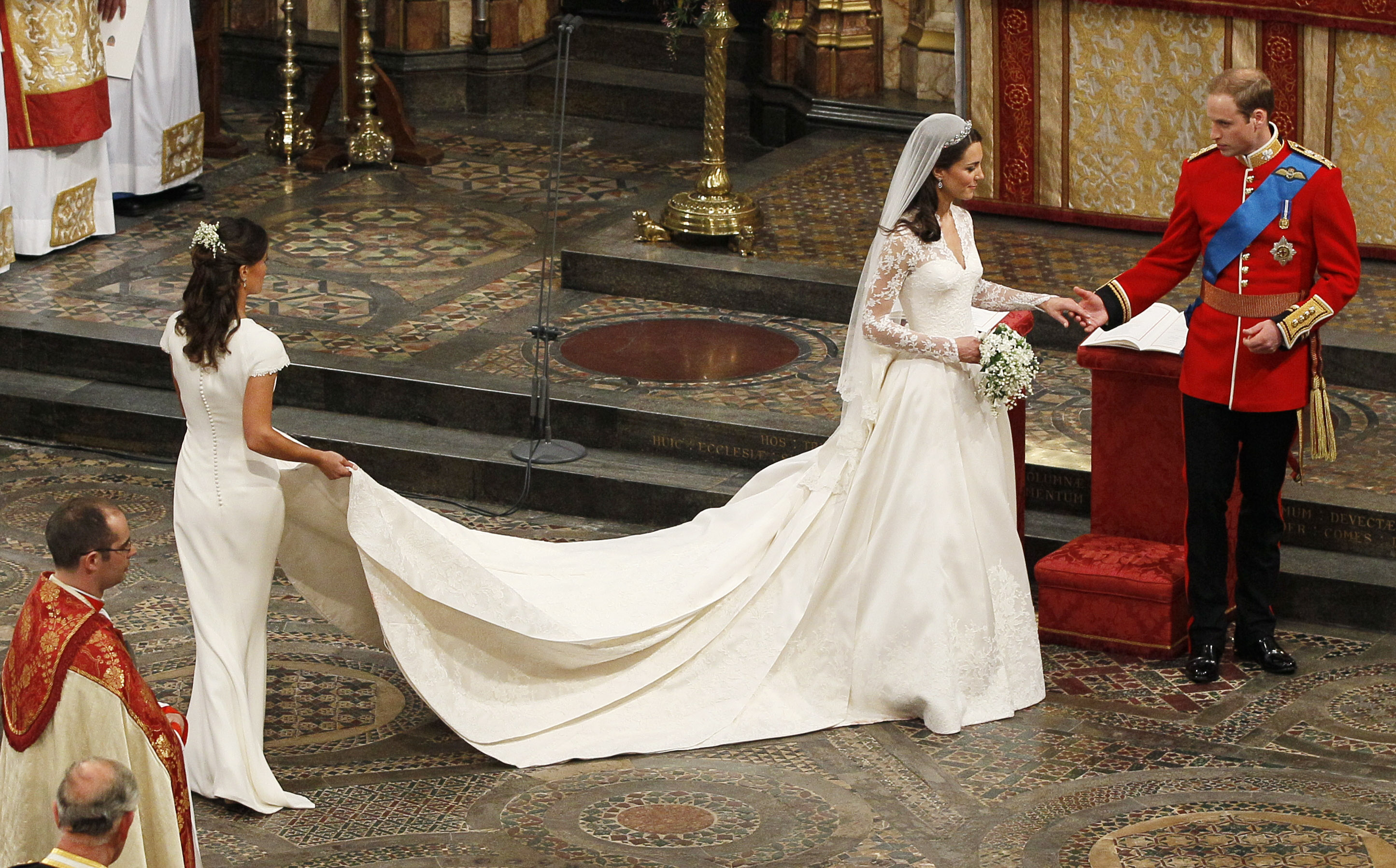 Kate Middleton\'s wedding dress was kept secret in the most extreme ...
