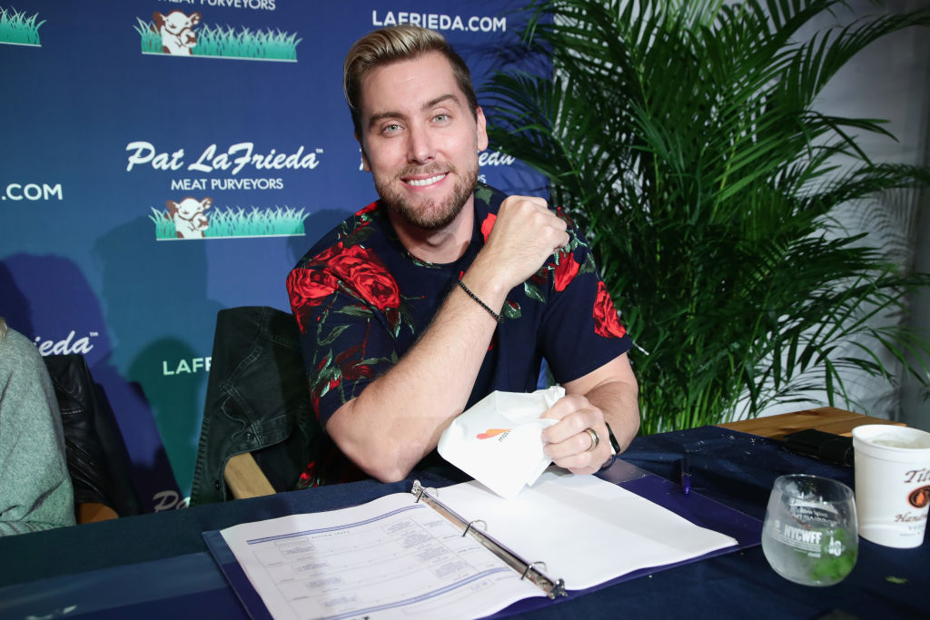 Lance Bass just trolled Donald Trump on Twitter and gave us so many extra lives