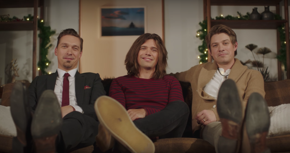 """Hanson's music video for """"Finally It's Christmas"""" is everything you need it to be"""
