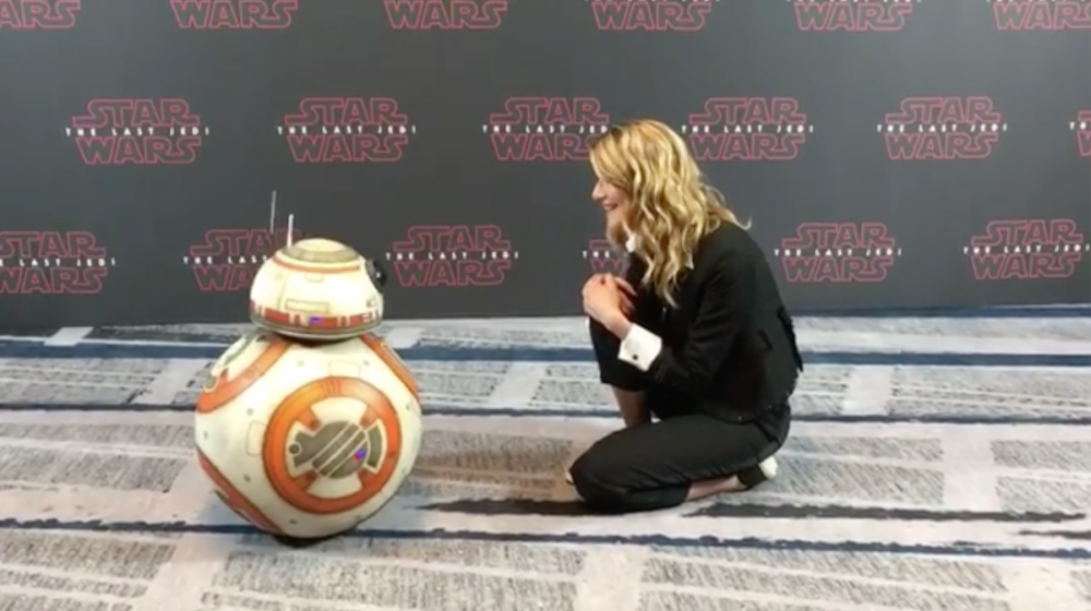 Watch Laura Dern assure BB-8 he's the cutest thing in the galaxy
