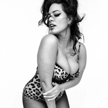 """Ashley Graham looks like Sophia Loren's twin in these unretouched photos for """"Vogue Italia"""""""