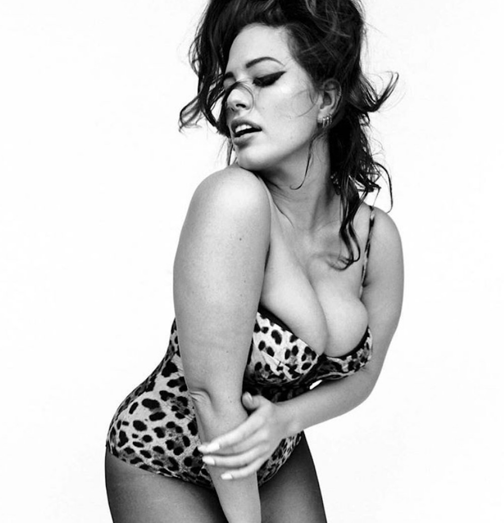 "Ashley Graham looks like Sophia Loren's twin in these unretouched photos for ""Vogue Italia"""