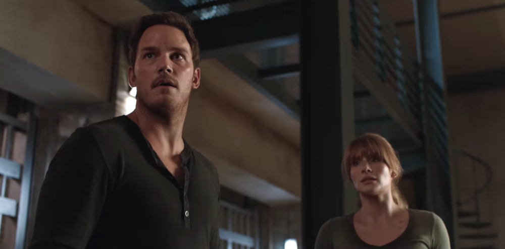 "This behind-the-scenes ""Jurassic World"" video makes the sequel look like a terrifying horror movie"