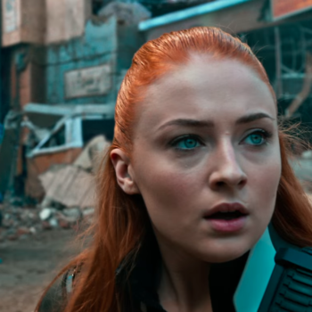 """Sophie Turner is on fire — literally — in this first look at her new """"X-Men"""" movie"""