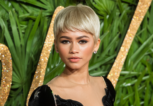 "Zendaya dressed like a literal butterfly to ""The Greatest Showman"" premiere"