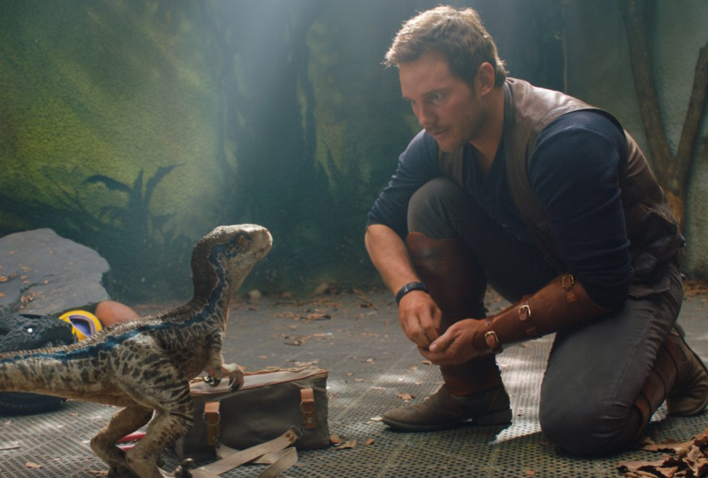 """The first """"Jurassic World 2"""" trailer is bonkers, becauseChris Pratt has to save the dinosaurs from a volcano"""