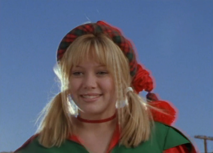 """Bizarre things you forgot happened in the """"Lizzie McGuire"""" Christmas episode"""
