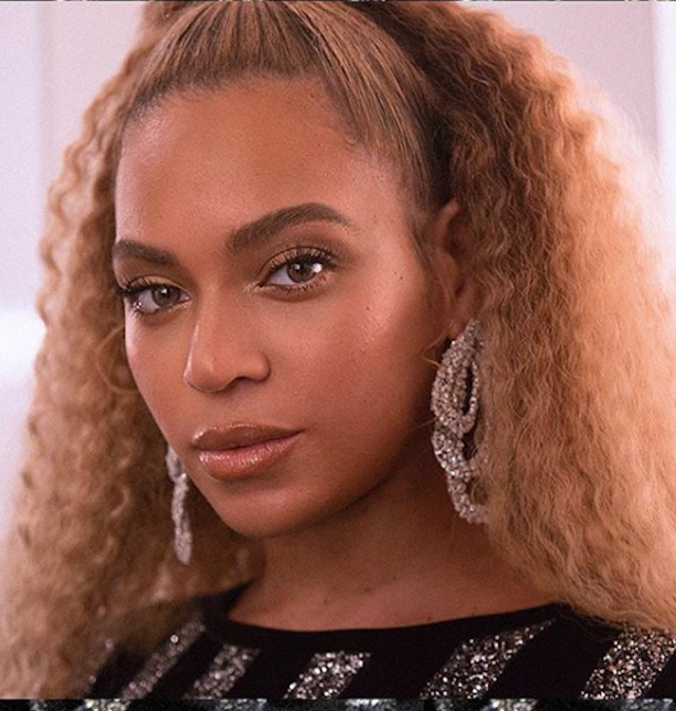 Beyoncé just brought back the blonde wavy lob with a major '80s twist