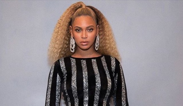 Beyoncé rocked her natural hair on Instagram, and we love this look