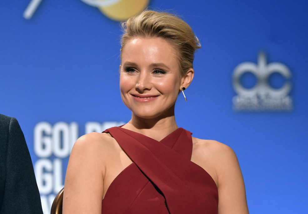 "Kristen Bell's daughters destroyed a ""Frozen"" Christmas ornament, and it was brutal"