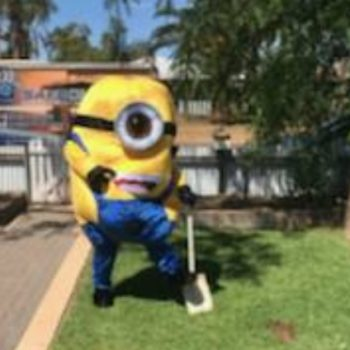 Someone dressed as a Minion ruined this guy's lawn in Australia