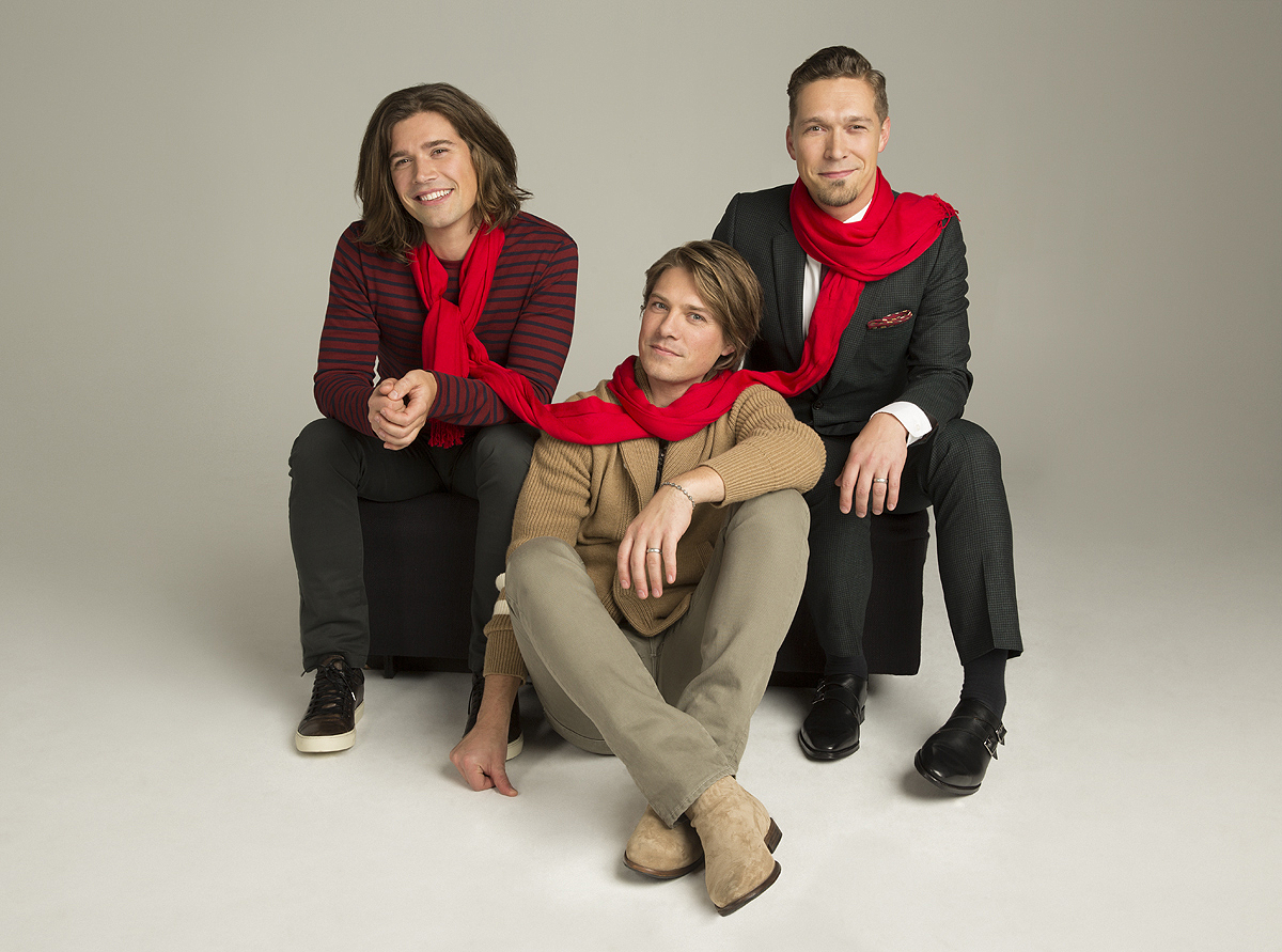 Hanson is hosting a holiday livestream, so Santa HAS been reading our Christmas lists
