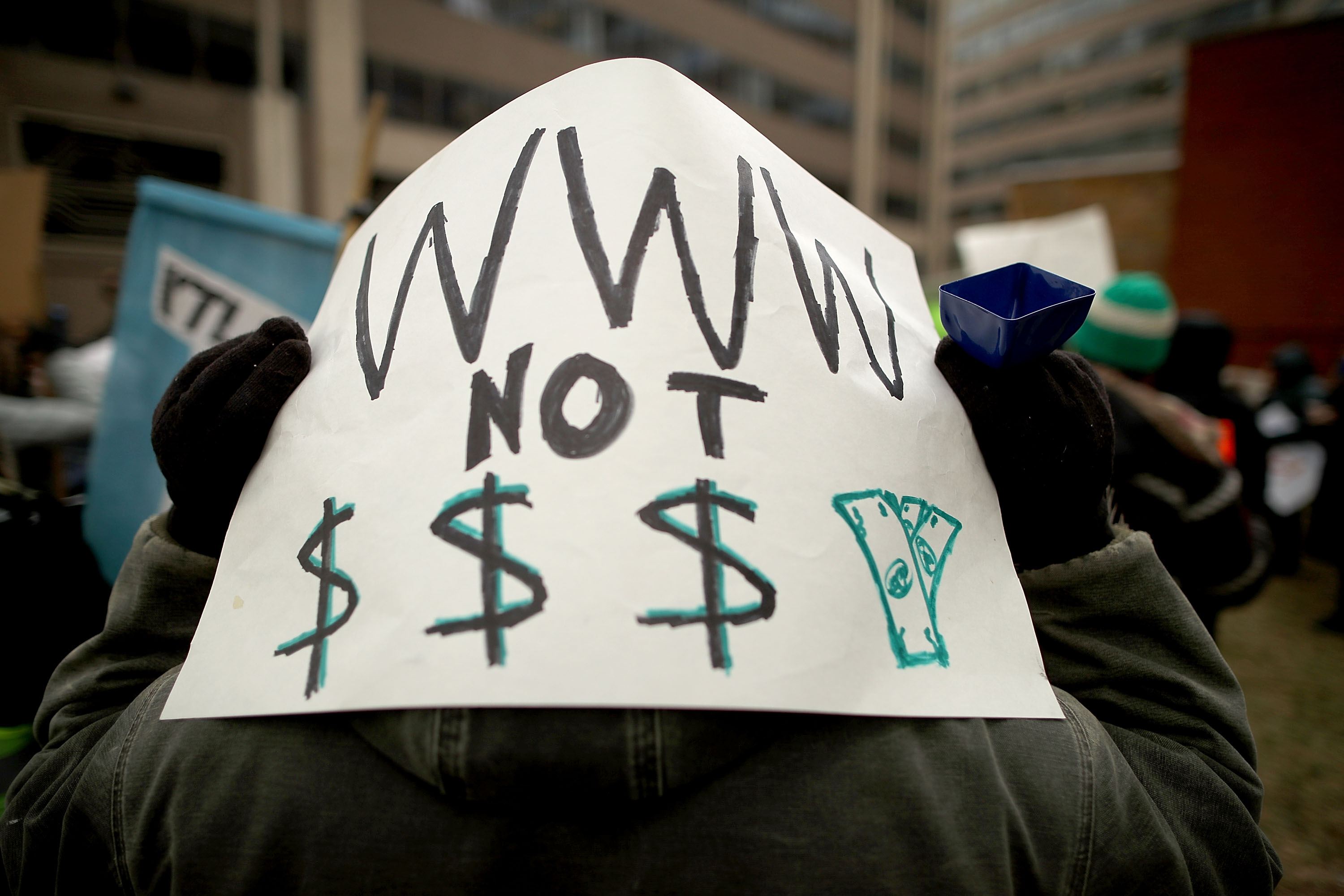 Twitter users are losing it over the net neutrality ruling, and OF COURSE THEY ARE