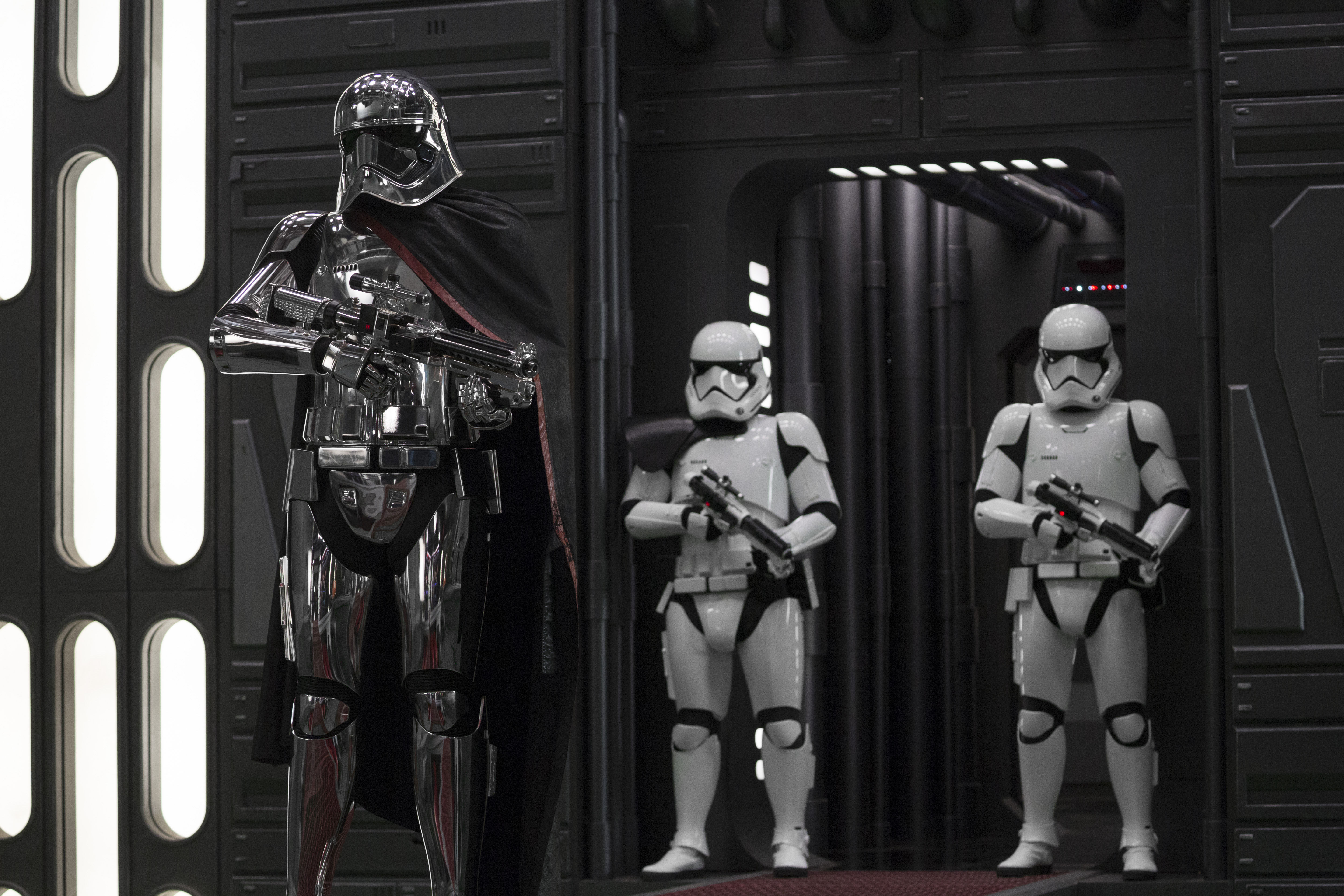 "Everything about ""Last Jedi"" was great — except for Captain Phasma"